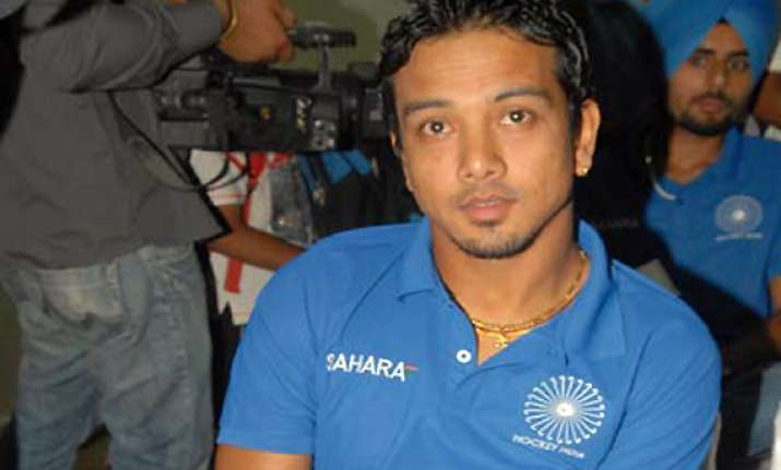 indian captain chetri promises free flowing hockey in