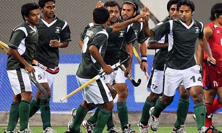 phf hails inclusion of pakistani players in hil