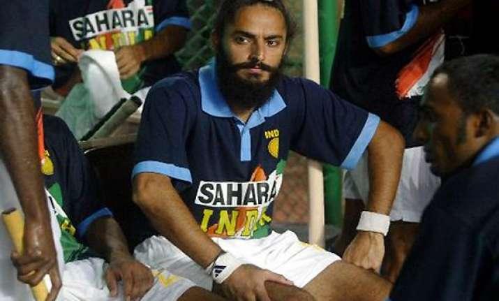 rajpal axed halappa on standby in 18 men indian hockey team