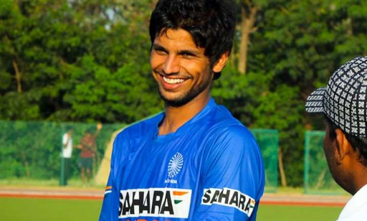 rupinder s injury concern for india ahead of semi against sa