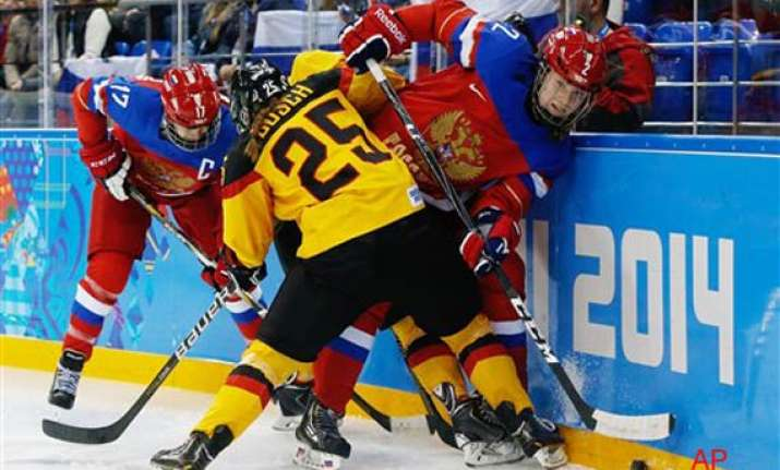 sochi olympics russia beats germany 4 1 in women s hockey