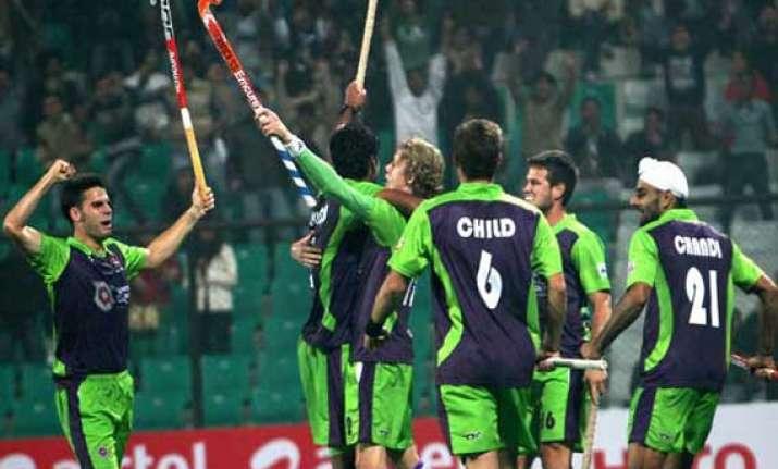 teams set for hil semifinals