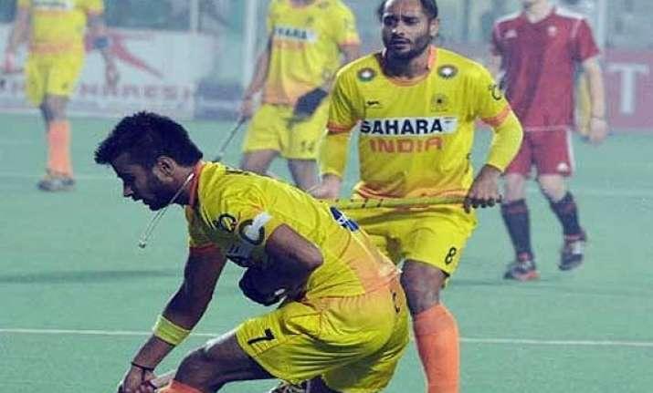 world cup australia thrash india 4 0 in last group league