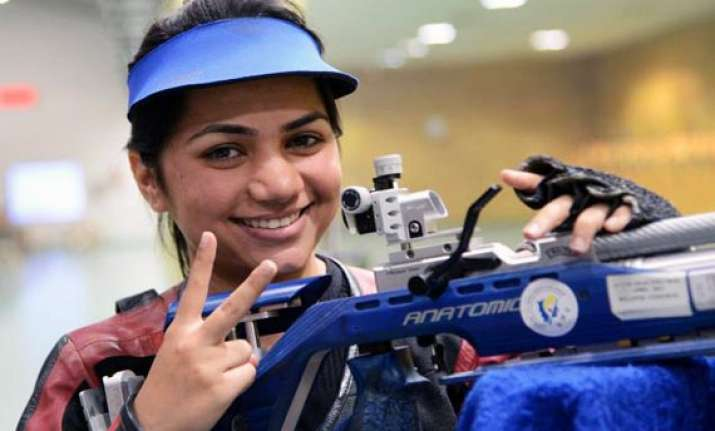 cwg 2014 apurvi breaks cwg record marches into 10m air