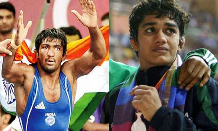 cwg 2014 grapplers give india 2 more gold as india take