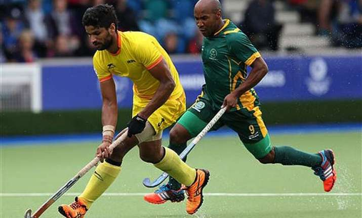 cwg 2014 india beat south africa 5 2 qualify for hockey