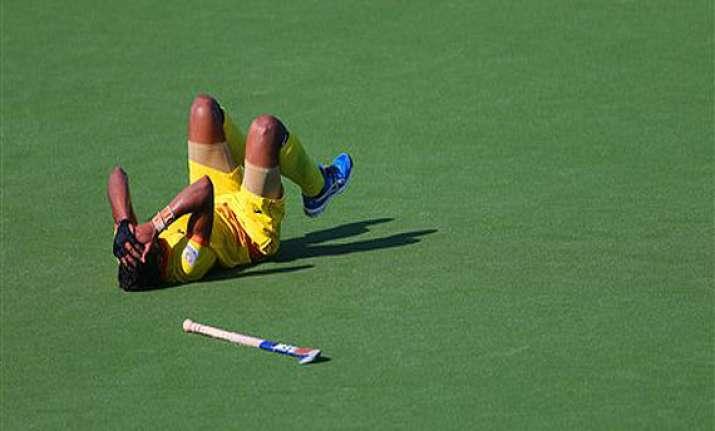 cwg 2014 indian hockey team loses 2 4 to australia