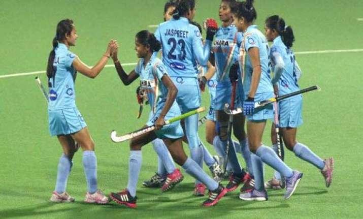 cwg 2014 indian women s hockey team beats canada 4 2