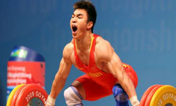 chinese lifter breaks world record