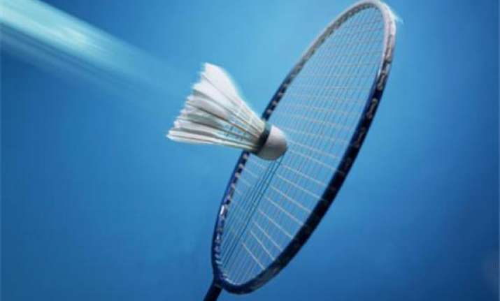 chinese shuttlers advance to indonesia open quarters