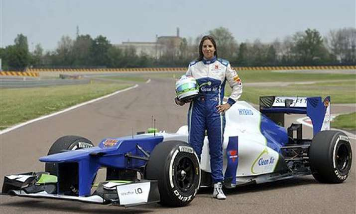 de silvestro completes 1st day of f1 testing