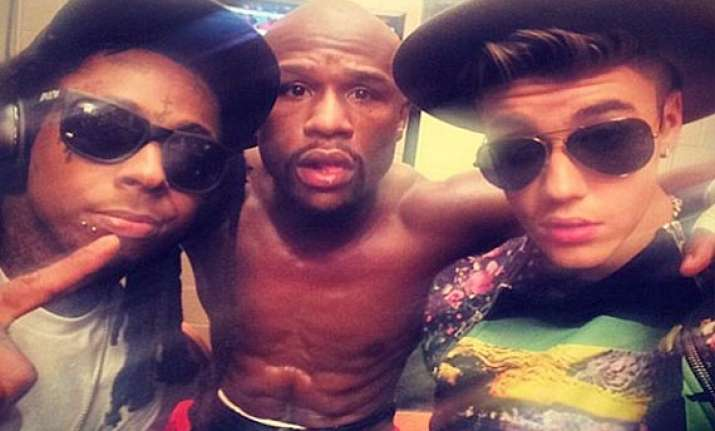 floyd mayweather had the support of justin bieber during
