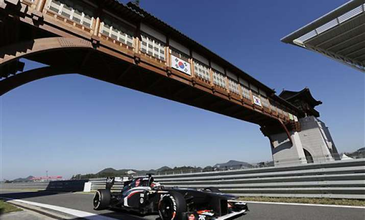 formula one sauber extends engine contract with ferrari