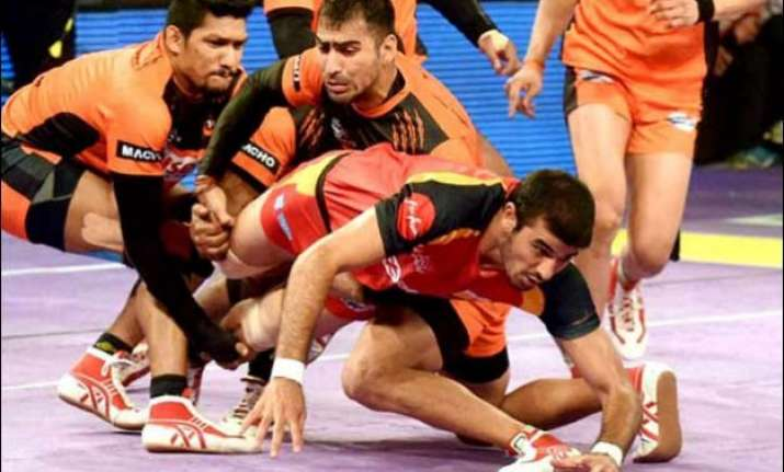 u mumbai beat bengal warriors to return to top of table