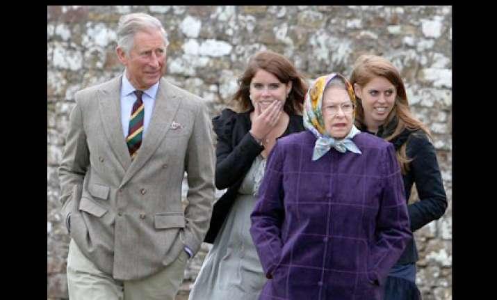 queen elizabeth furious over cwg controversy