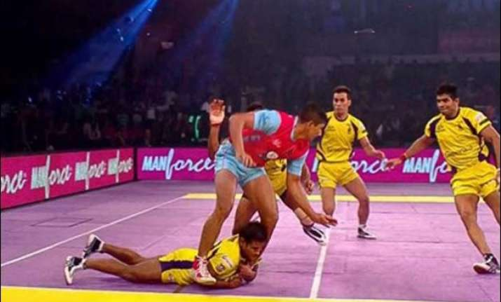 telugu titans and jaipur pink panthers play thrilling draw
