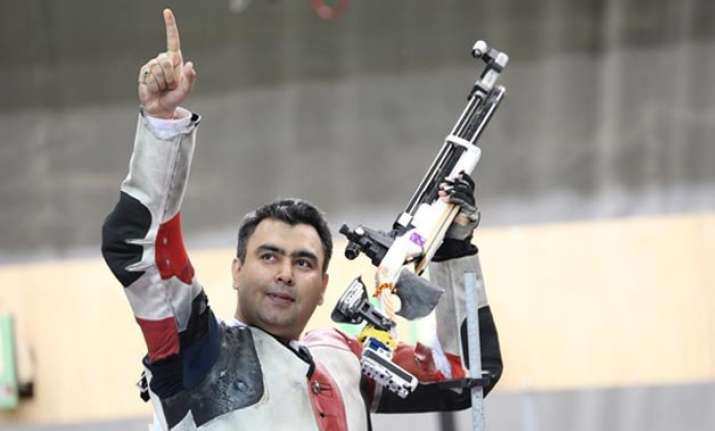 gagan narang wins world cup bronze secures quota for rio