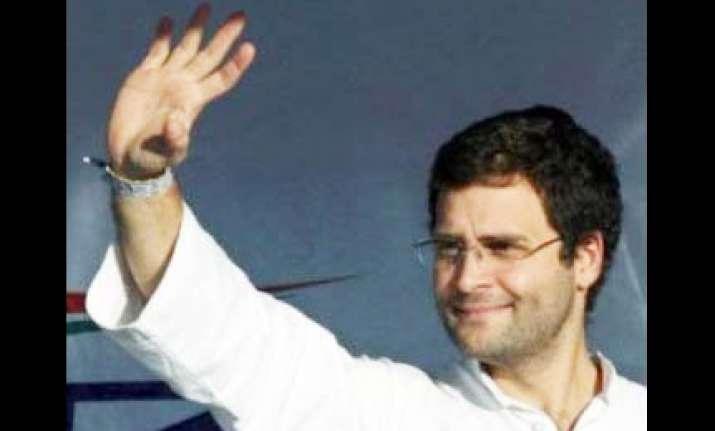 rahul gandhi turns up at talkatora again