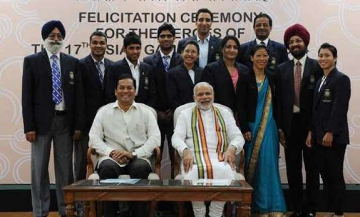 pm hosts breakfast for asiad medallists lauds their feats