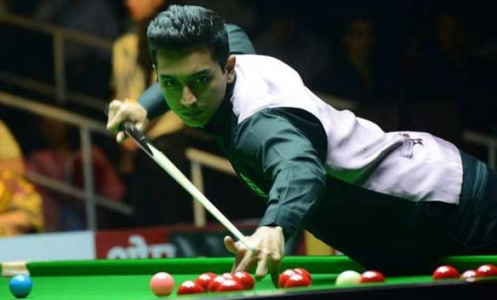 mehta crashes out after losing to england pro walden