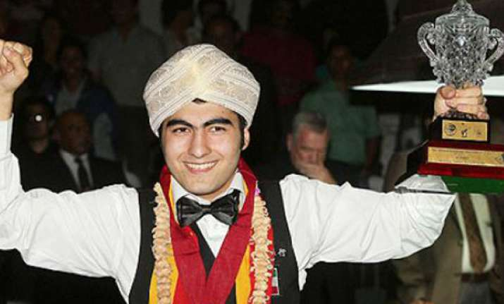 iran s hossein lifts ibsf world snooker title in a thriller