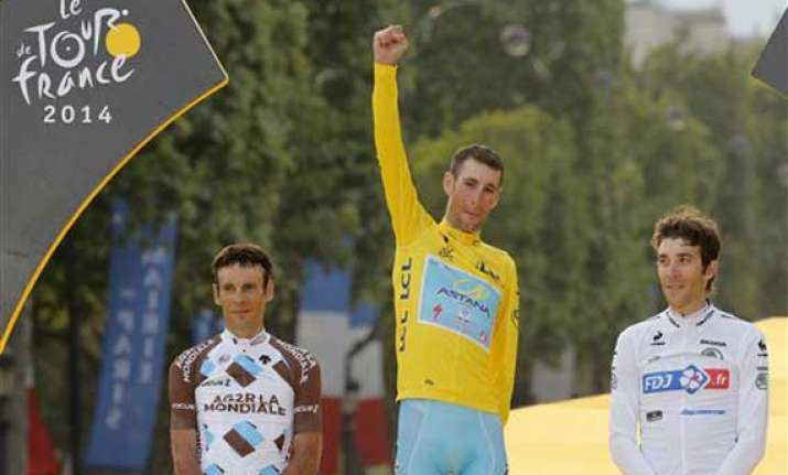 italy s vincenzo nibali wins tour de france
