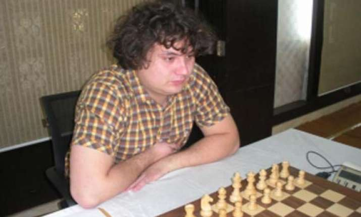 korobov stays in lead sasikiran beats gupta