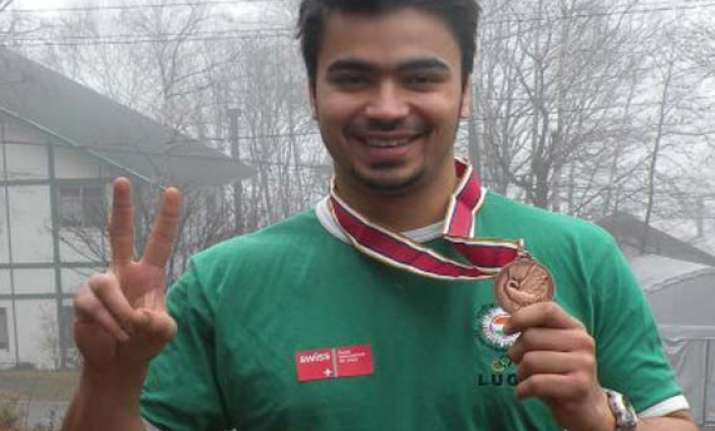 luger keshavan wins gold in asian championship