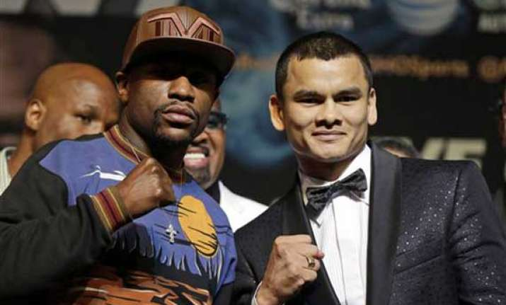 mayweather works hard to sell 32 million payday