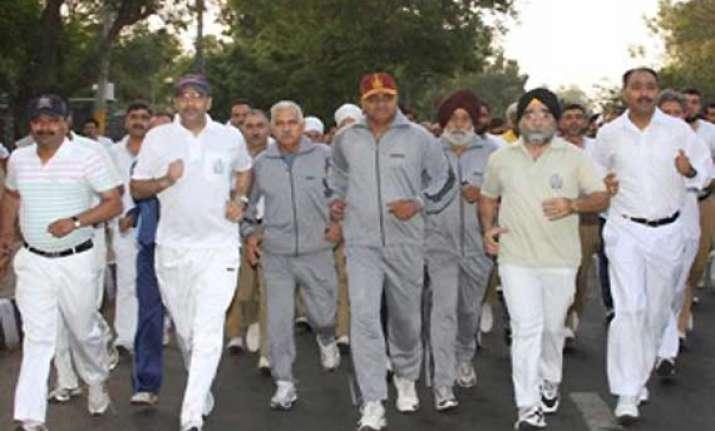 over 3 000 participate in srinagar marathon