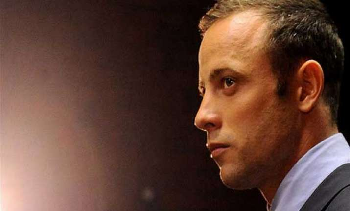 pistorius takes prosthetics off during testimony