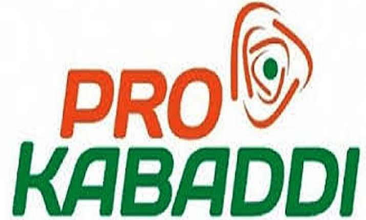 pro kabaddi delhi edge out pune to score first win in league