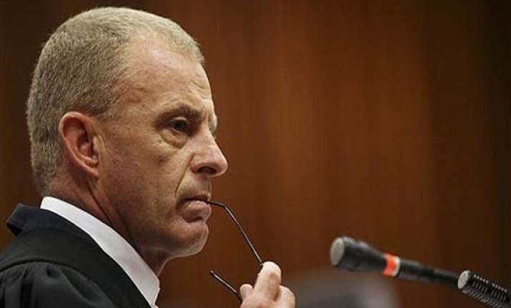 prosecutor mocks pistorius version of events