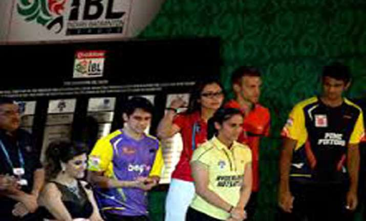 ibl pune pistons edge out delhi smashers 3 2 in the opener