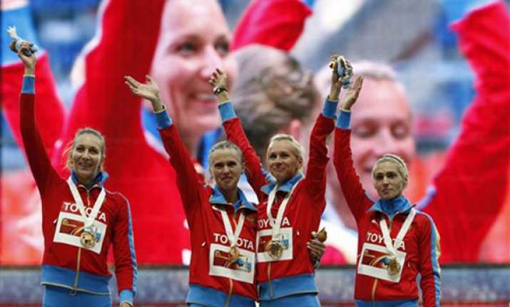 russian female runners kisses not a protest