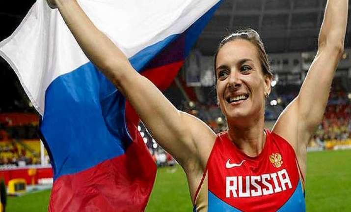 russian pole vaulter isinbayeva clarifies her remark on