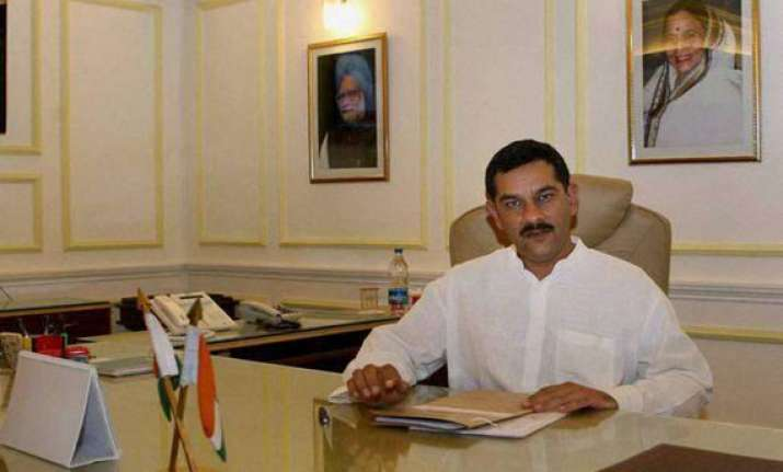 sports minister sees india as a top 10 nation by 2020