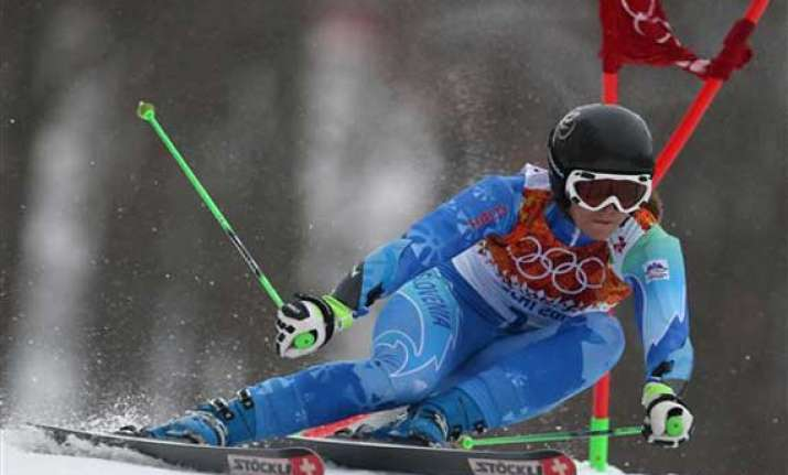 tina maze takes big lead in olympic giant slalom