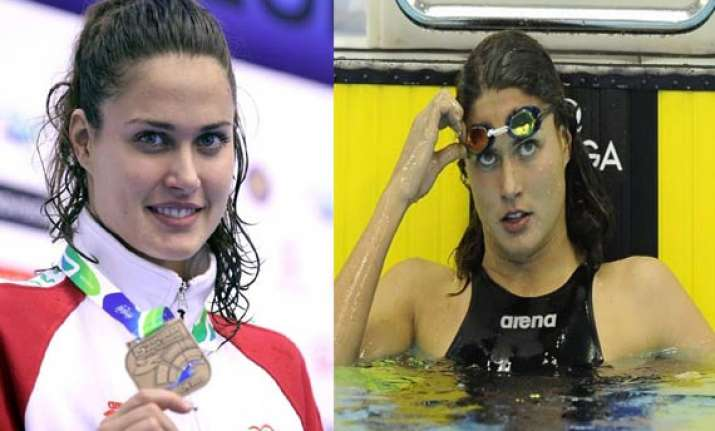 watch images of blue eye stunning swimmer zsuzsanna jakabos