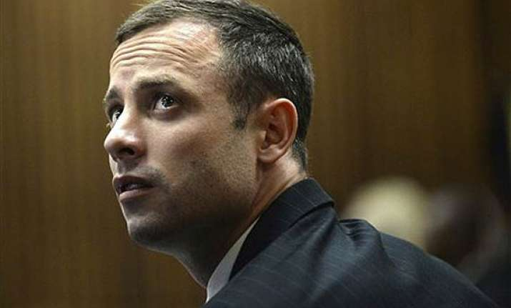 witness cries at pistorius murder trial on 2nd day