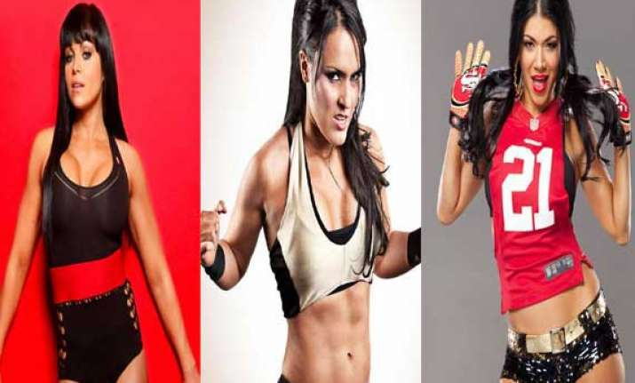 women wrestlers who can kick you out of ring