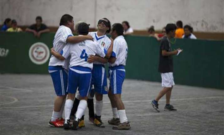 after cricket blind now play mexico soccer league