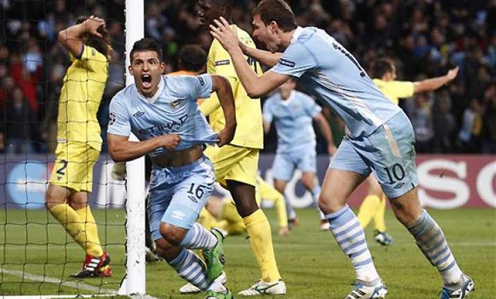 aguero strikes late city beats villarreal 2 1