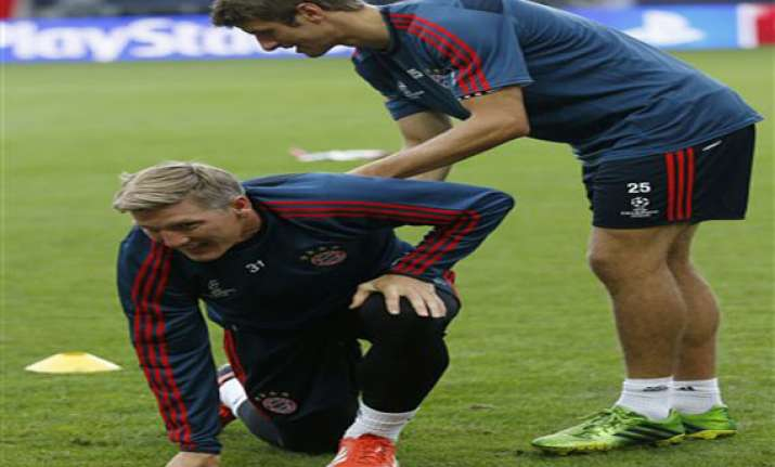 ankle injury rules schweinsteiger out for germany