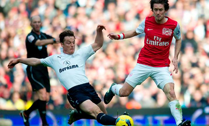 arsenal routs rival tottenham 5 2 in comeback win