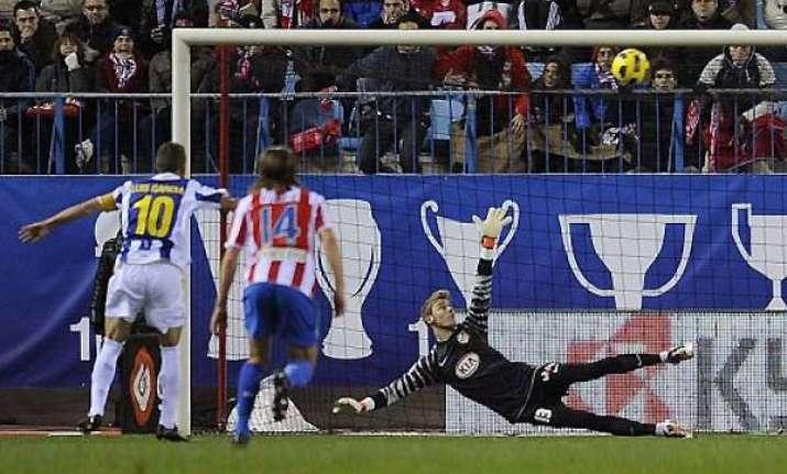 atletico falls 4 2 at espanyol in spain