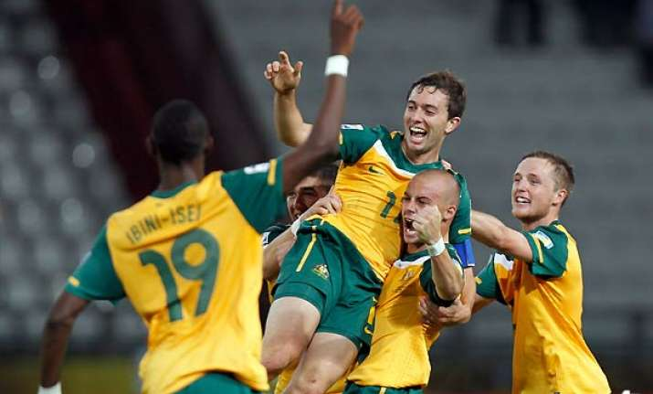 australia rallies for 1 1 draw with ecuador