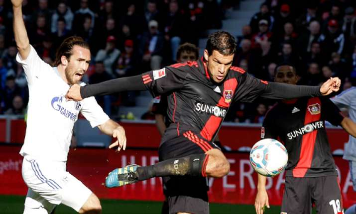 ballack earns leverkusen 1 0 win at freiburg