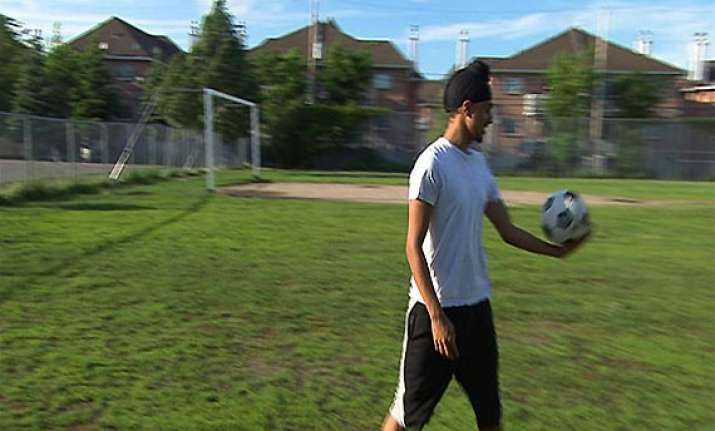 ban on sikh soccer players wearing turban in canadian