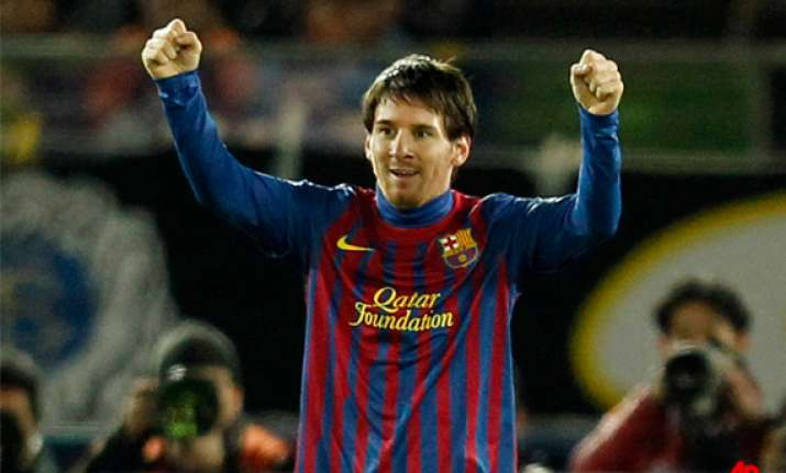 barcelona beats santos 4 0 to win club world cup